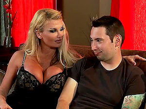 Hot Sucking And fucking Activity With The Big-chested Blonde Taylor Wane