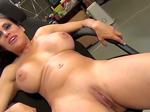 Gorgeous mummy is going to suck a thick black dagger