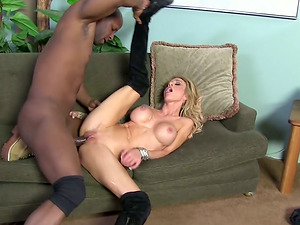 Beautiful Supah Hot Cougar Fucking And Gulping Like A Nymphomaniac