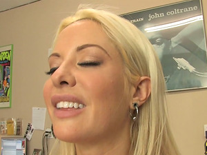 Sexy Blonde Cougar Shoots Behind the Scenes Reality Flick