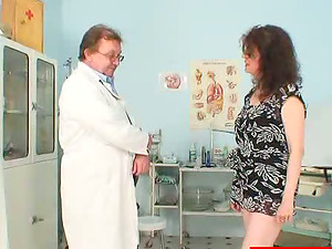 Mature Fledgling Examined by a Horny Physician
