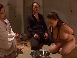 Buxomy Asian bi-atch rails a man's man sausage in xxx scene