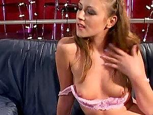 Beautiful honey Gilda Roberts fellatios and gets jizm to her face