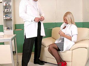 Sexy Nurse Gives The Physician A Fellatio