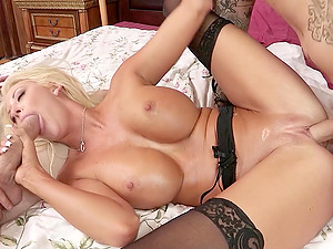 Hot, Blonde Cougar With Big Tits Liking A Mind-Blowing Threesome Fuck