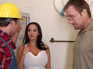 Mischievous Construction Employee Bangs A Big-chested Woman Assfuck Doggystyle
