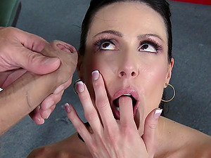 Kendra Enthusiasm gives head to Ramon and lets him smash her snatch