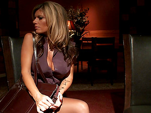 Kinky cougar gets fucked ditzy in an appetizing ffm threesome