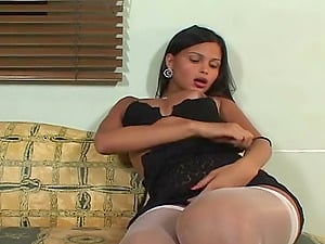 Amazing Shemale In A Threesome Providing A Blow-job As She Gets Hammered