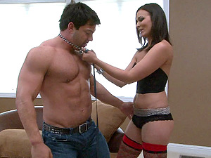 Muscled sexy stud Vince Ferelli gets fucked by hot donk Crissy Moon