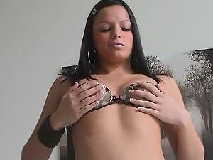Sasha Bangs luvs masturbating her trimmed vulva indoors