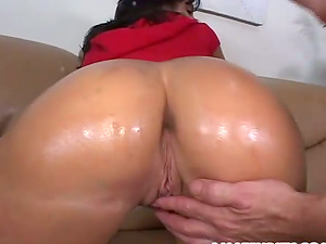 Hot Bootie And Oiled Dark haired Gets Banged Xxx In Hot Orgasm