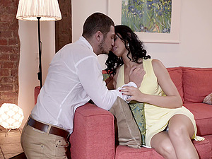 Kira Queen works on a man sausage and luvs it deep from behind