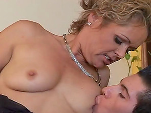 Classy mature bimbo in stockings being pounded missionary