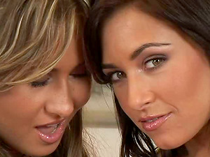 Voluptuous tongue smooching, frigging and cootchie tonguing inbetween two stunners
