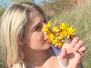 Hiker catches a teenager masturbating and gives her a good fucking