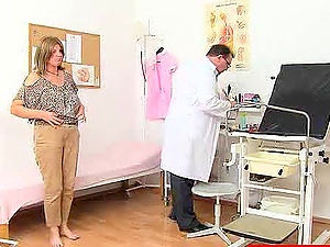Mature fledgling superstar getting a labia check-up at the hospital
