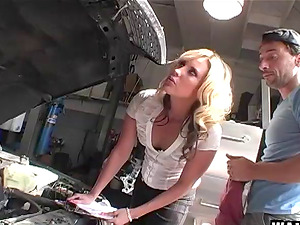 Blonde Kiara Diane fucks the mechanic to pay for her car