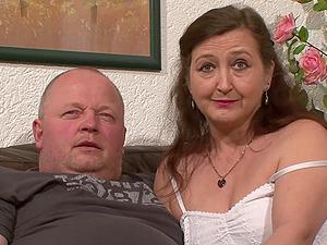 Unexperienced German matures have joy making gonzo porno scenes