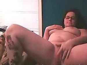 Nasty round nubile masturbates her vagina and asshole