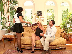 Horny palace ladies are jizz-shotgun greedy and their manager serves them well