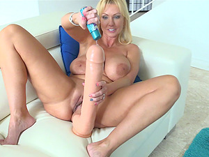 Thickest blue goes hetero into blonde's magnificent smooth-shaven snatch