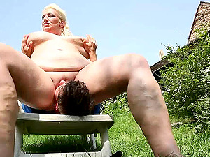 Dazzling blonde stunner with fat kinks wants the fountain inwards her mouth