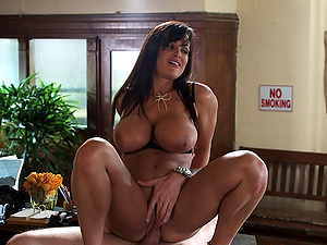 Sultry lecturer tart Lisa Ann fucked by a big man sausage fellow