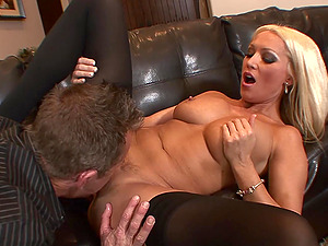 Cougar Housewife Diana Doll Fucked In Sexy Stockings