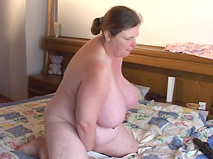 Mature Dutch honey with big kinks eventually determines to use a black fucktoy