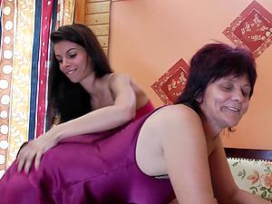 Lesbianz fuckin orgey tubs