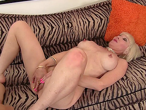 Older blonde chick and a hard pounding for her cootchie on the couch