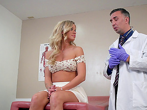 Blonde hump princess Jessa Rhodes getting cured with a big dick