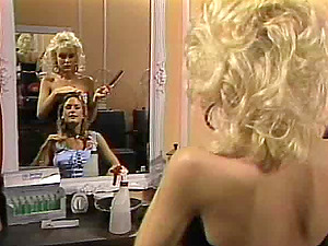 Randy hairdresser entices a hot woman for a sapphic fuck