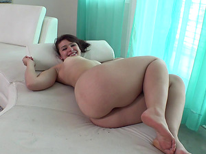 Curvy honey Betty taunts with her figure before a fuck