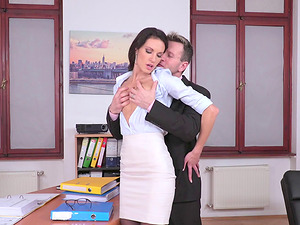Hot biz woman Linda Moretti leans over for a fat dick