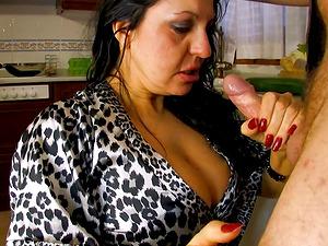 Mature chick seduces a lucky fellow for a kinky shag