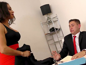 Milf Boss Claudia Loves a Raunchy Revenge Fuck