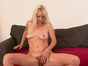 Blonde hoe Kathy Anderson enjoying a fat pulsating dong in her beaver