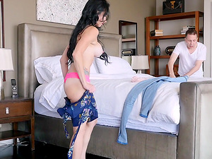 Portia Harlow knows how to make a fat cock pulsate