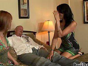 Delila Darling and Zoey Holloway suck a prick and can's stop