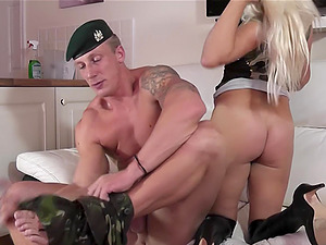 Michelle Thorne offers her curvy body to an insatiable soldier