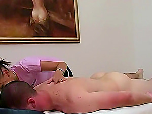 Hannah is a masseuse and has one last client of the day before she can go home.
