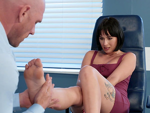 Olive Glass seduced by a handsome man for a sexual session