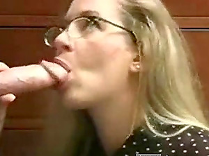 Innocent looking MILF gets an oral creampie