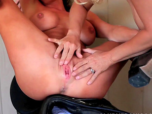 Lesbian Veronica Avluv tonguing and fisting her horny sweetheart