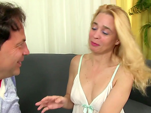 Experienced Blonde Sucks a Dick and Gets Fucked