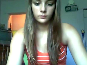 Young Russian teen naked on webcam and showed off boobs