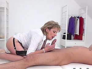 Lady Sonia Gives Her Lad A Happy Ending