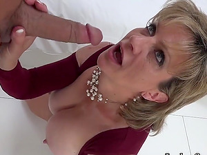 Mature Lady Sonia Sucking A  Cock